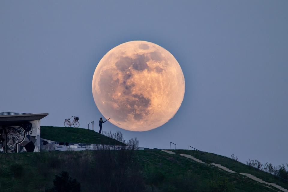Super Full Moon Coming To A Sky Near You